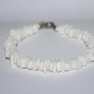 """Vintage white shell bracelet 7"""""""